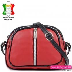 Skórzana czerwona mała torebka w odcieniu truskawkowym
