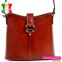 Włoska brązowa skórzana torebka damska do przewieszenia w klasycznym fasonie
