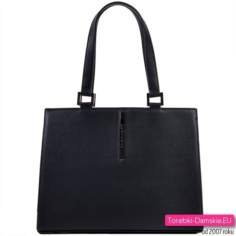 Czarna elegancka torebka damska na ramię mieści A4