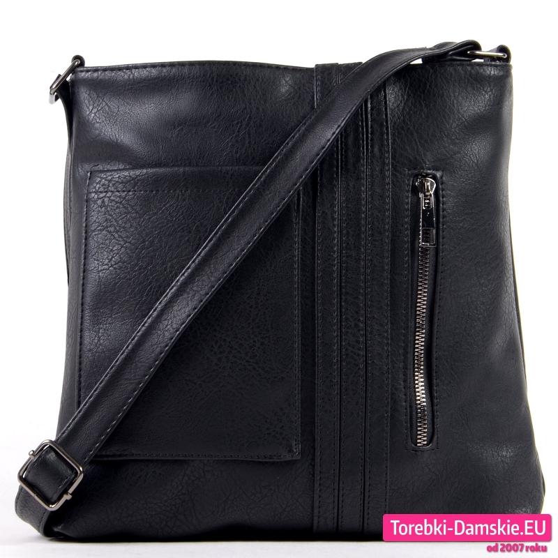 Czarna torebka listonoszka średniej wielkości - 49,00 zł