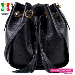 Czarna torebka włoska skózana do przewieszenia z frędzlami