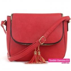 Czerwona torebka listonoszka z klapą i złotym suwakiem