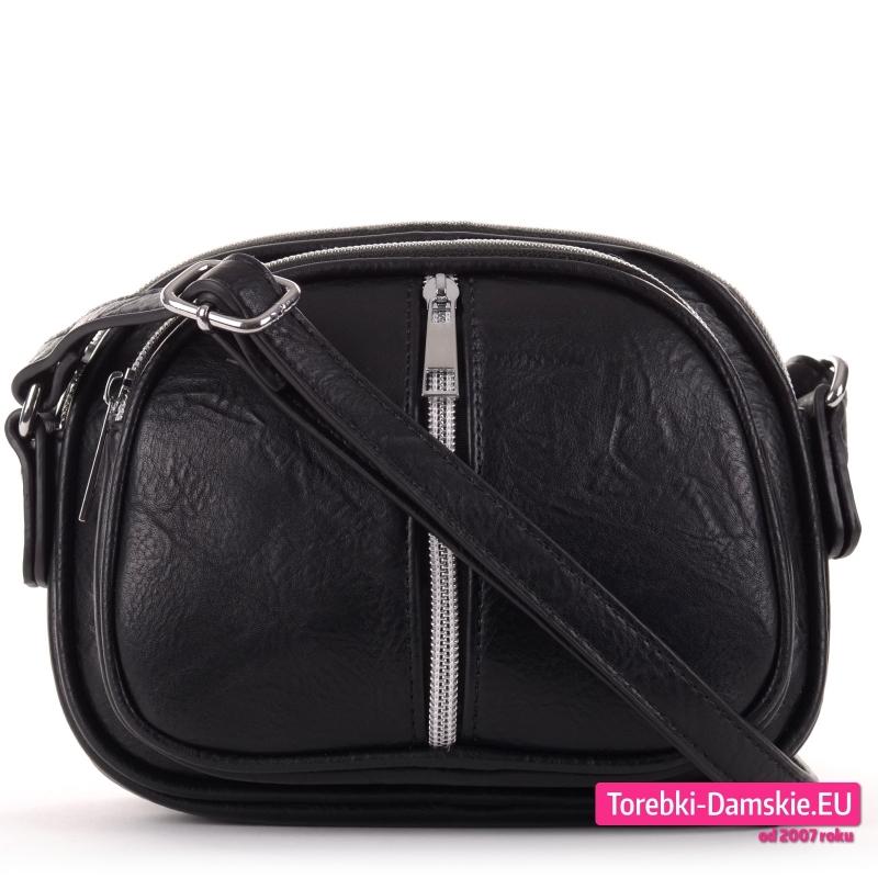 Trójkomorowa torebka czarna z pionowym zamkiem z przodu