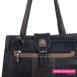 Czarno - brązowa torebka z ozdobną sprzączką i kieszeniami z przodu