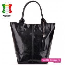 Czarna duża torba shopperka z połyskującej skóry