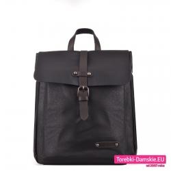 Prostokątny czarny plecak damski z klapą w stylu vintage