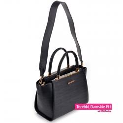 Stylowa torebka w kolorze czarnym - kuferek z dopinanym szerokim paskiem na ramię