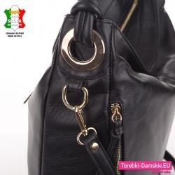 Włoska stylowa czarna torba ze złotymi okuciami