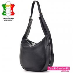Czarna torba damska ze skóry ze srebrnymi suwakami na bokach