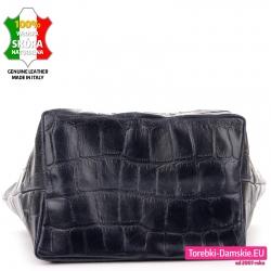 Granatowa torba ze skóry z płaskim szerokim spodem