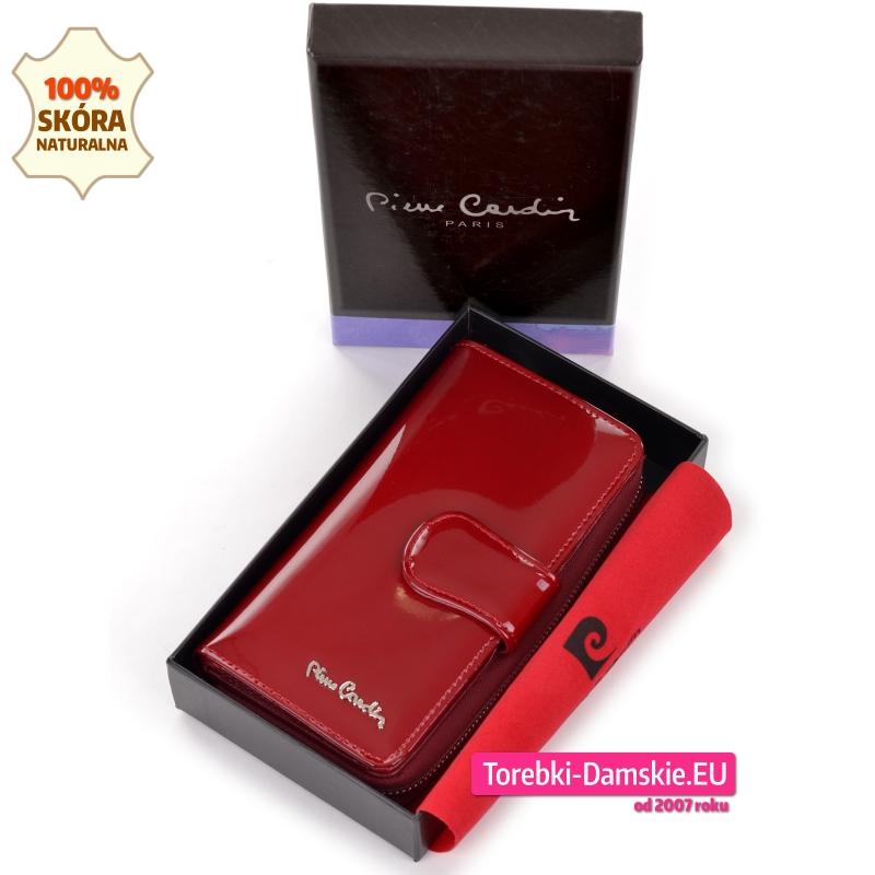 Średniej wielkości damski czerwony lakierowany portfel w pudełku