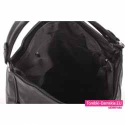 Pakowna czarna torba z kieszeniami wewnątrz