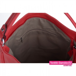 Szczelnie zamykana czerwona torebka z kieszeniami wewnętrznymi