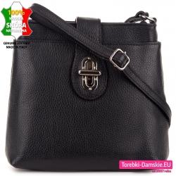 Czarna torebka skórzana ze srebrnym zapięciem z przodu