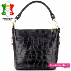 Czarna torebka ze skóry zgrabna i lekka