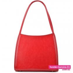 Czerwona torebka na ramię w klasycznym fasonie