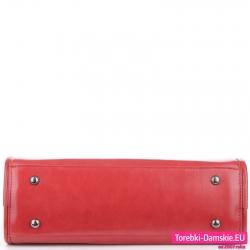 Torebka czerwona z metalowymi stopkami pod spodem