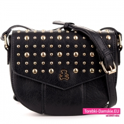 Czarna torebka z klapą ze złotymi ćwiekami