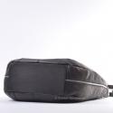 Włoska czarna torba ze skóry z zamkami na bokach