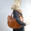 Owalna torebka ze skóry w kolorze jasnobrązowym