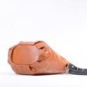 Jasnobrązowa torebka skórzana - zgrabny worek z elementami czarnymi