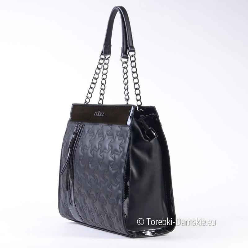 75d993a3cf7cc Nowy Kwadratowa czarna torebka pikowana z elementami lakierowanymi