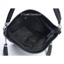 Czarna torebka z chwostami
