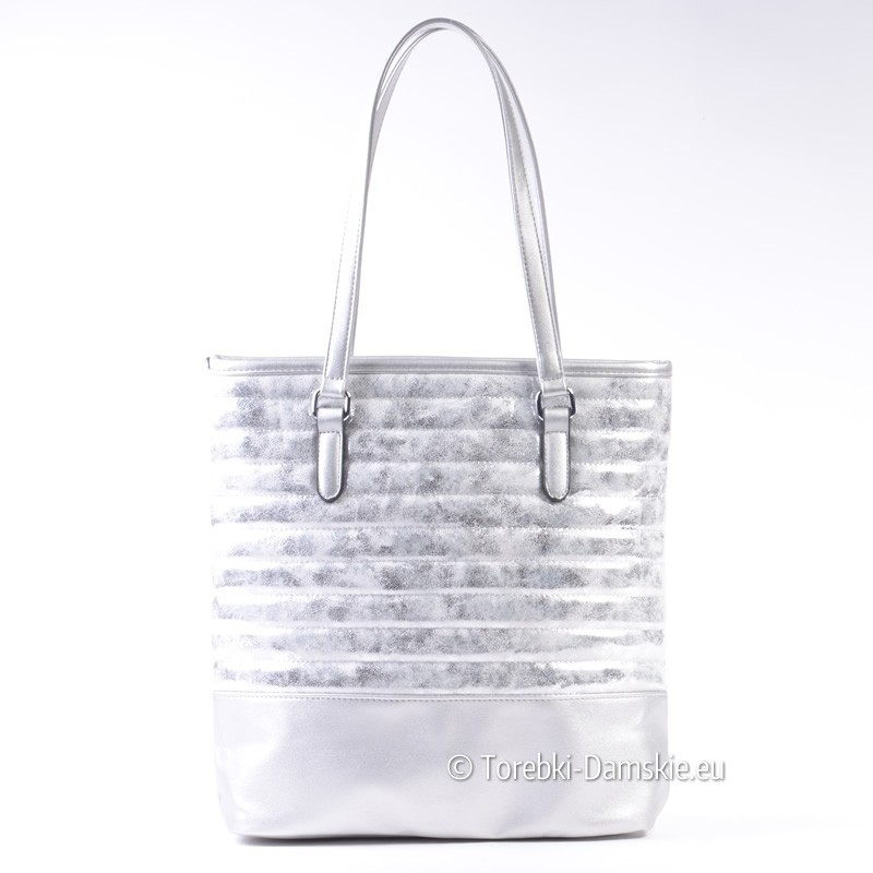 9cacf24a4a137 Miejska srebrna torba damska na ramię pikowana