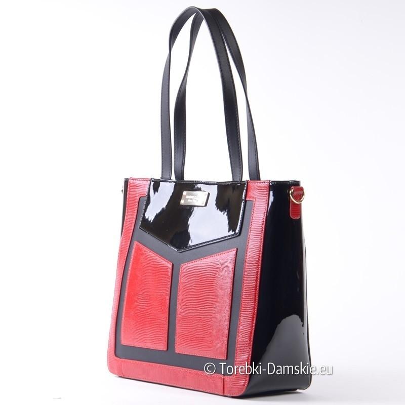 9e12e8e41284e ... Czarna torebka z czerwonymi elementami marki Monnari ...