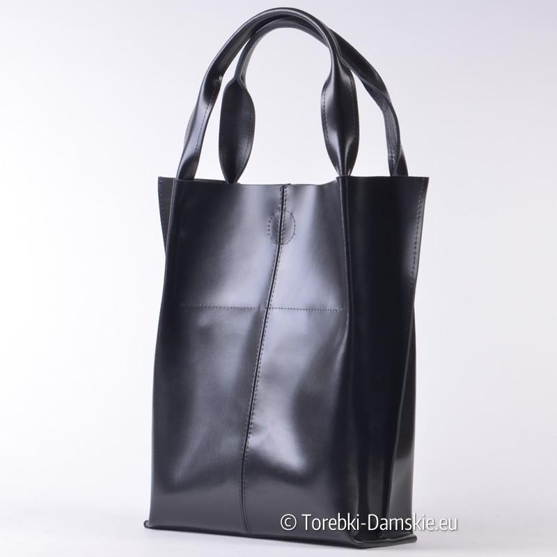 9a20d6518dbc1 Czarna torba damska z gładkiej połyskującej skóry naturalnej; Torebka  skórzana czarna shopper w modnym fasonie ...