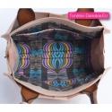 Torebka w jasnym odcieniu koloru różowego z paskiem azteckim