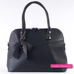 Czarna torebka - markowy kuferek a4